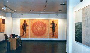 Vista exposición Humana Lux en la sala de Ibercaja en Guadalajara