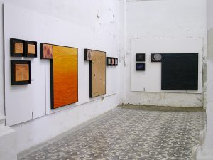 Vista exposición La Destilación Suite Atilano en la Fundación Maturén de Tarazona