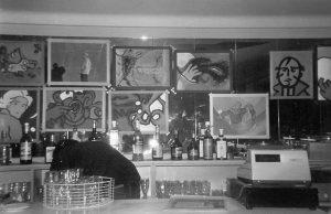 Vista de la exposición El Piter Kantropus en el pub Terminus de Zaragoza