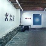 Vista de la instalación BRUT # 2 en la galería Odeón